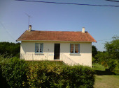 MAISON de campagne à étage ,  2 km du bourg ,  située dans le PARC REGIONAL PERIGORG- LIMOUSIN au nord du PERIGORD VERT
