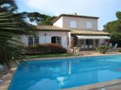 COTE D'AZUR , SAINTE MAXIME, Var, Villa luxueuse avec vue magnifique sur la mer, à 400 m de la grande plage de sable.