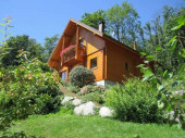 Gite-Chalet  grand confort en Alsace,  avec Jacuzzi et sauna privatifs, calme et nature.