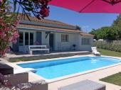 Jolie maison avec piscine privée et chauffable non loin de Nîmes, la Camargue et les plages de la Méditerrannée