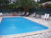 Maison de vacance au cœur d'un domaine avec piscine