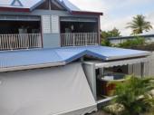 A 150m du spot de surf  et à 800m de 2 lagons turquoises: piscine,T3 duplex T2 avec jacuzzi, studios rec par le routard.