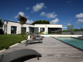 Villa bord de mer, avec piscine privée