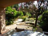 Maison de caractère, fraîche, accessible,jardin agréable,grand bassin,animaux +