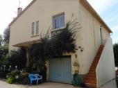 Le gîte Bruno - Sur une exploitation agricole (fruits et légumes), au premier étage de la maison du propriétaire, gîte proche des plages (5 km), du centre historique d'Hyères (4 km) et toutes commodités (2 km).