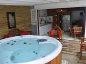 A 150m de la plage, T2 avec spa, T3, studio, wifi, recommandés par le routard.