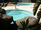 Calme -Penthouse Rosas Toit-terrasse 60m2 - 4-6 personnes - Vue Marinacanaux - Piscine- Jacuzzi - jardin - boulangerie