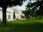 Mas provençal climatisé avec grand parc et piscine