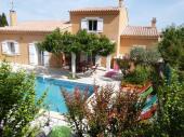 Maison provençale agréable village provençal. Entre le Mont-Ventoux et le parc naturel du Lubéron à 12 km de l'IsleSorg