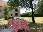 Gite Authentique ferme comtoise de 1850 sur 7500 m² de terrain clos et arboré.