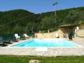 Arezzo - Maison indépendante, située en position très panoramique entre les vallées d'Ambra et du Valdichiana, piscine privée, billard et équipements de gym.