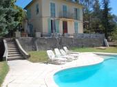 Maison calme  avec piscine pour 10 personnes