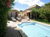 Jolie maison au calme avec piscine pour six personnes