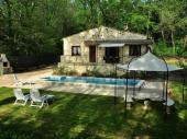 Maison de charme avec piscine privée en bordure de rivière entre Avignon et Uzés