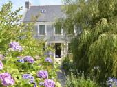LOCATION Maison de charme sur île de Groix avec 2 grands jardins clos