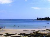 MER et petite plage DEVANT, VUE MER.
