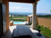 Belle maison provençale avec piscine privée, 3chs, garage, pool house, grand terrain, vue magnifique LUBERON