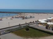 Le Front de Mer donne directement sur la plage, vue magnifique sur Méditerranée