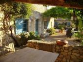 Ancien mas provencal sur oliveraie, piscine, vacances détente, calme, beaucoup de charme, Nice aeroport 1h (9 pers).
