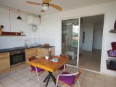 Dans une jolie résidence sécurisée, a 2 minutes à pieds de la plage de l'Anse Mitan, ce très grand studio vous apporter tout le confort nécessaire à d'agréables vacances au soleil!