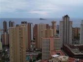 bel appartement pour 4 personnes avec  des vues exclusives sur les montagnes, la mer, la ville de Benidorm.