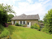 Maison de campagne ouvrant sur un très beau jardin