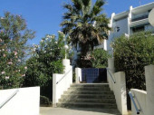Dans résidence Quartier du Couchant résidence Martinic, appartement 2 pièces en rez de jardin, confortable et clair.