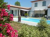 L'OLIVADOU - Chambres d'Hôtes Provence  - 2 chambres indépendantes vue piscine. www.olivadou.com