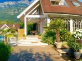 Maison de caractère avec piscine privée chauffée, vue lac d'Annecy et montagne