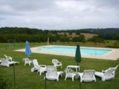 PROMO 15% du 30/06 au 14/07 : Gîte spacieux et situé au calme avec grande piscine et beaucoup d'intimité.