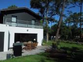 Superbe Villa Mitoy par Garage située dans un quartier calme à proximité du lac d'Hossegor et 1.4 km du centre ville.