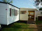 mobil-home 40 m², grand confort avec terrasse couverte et fermée