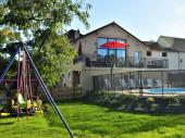 Belle grange rénovée  pour  de beaux séjours entre amis ou en famille.Nombreux sites  touristiques à proximité .