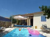 villa avec piscine pour 67 personnes