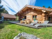 Chalet en rondins cosy 46p, 65m², 2 chambres, terrasse plein sud, calme