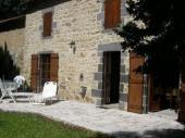 Belle ferme aménagée, 3 étoiles,Parc des volcans d'Auvergne, proche Châtel-Guyon