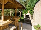 Typique maison bretonne en pierre à Cancale à 450 m de la mer