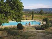 Gîte avec piscine en Provence, au c?ur du Parc du Luberon proche de Gordes entre Goult et Roussillon