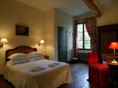 Prieuré de Rochefort : un havre de sérénité à l'orée des forêts de Picardie
