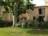 Magnifique dépendance dans Mas Provencal, entre Aix et le Lubéron