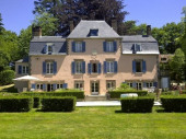 Chateau le Charme.