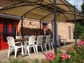 Domaine de Bataillou Gîte la Bergerie 12 couchages 4*.Piscine couverte et Chauffée à 28°.Étangs de pèche.