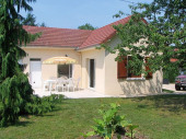 Gîte n°341à Montcheutin - à 18 Km de Vouziers Maison indépendante dans petit village de l'Argonne.