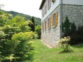 maison calme dans la verdure