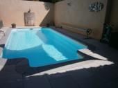 Maison avec piscine chauffé.