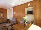 Gîte n° 390246 - Appartement au premier étage en rez-de-jardin donnant sur l'arrière de la maison du propriétaire.