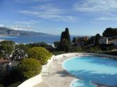 Très beau studio refait à neuf magnifique vue mer terrasse piscine proche mer.