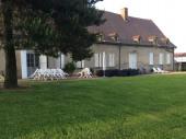 PARAY LE MONIAL: maison de caracactère, au calme et proche de la ville...