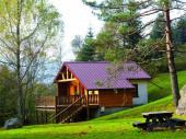 Chalet traditionnel 4 à 5 personnes, pleine nature, cosy, raffiné, terrasse avec barbecue, très calme