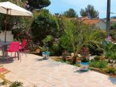 SANARY SurMer Joli appartement + Terrasse  Jardin pour 4 Personnes à 15 min à pied de la mer